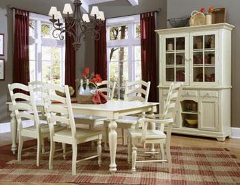 Bộ bàn ăn màu trắng rất thích hợp