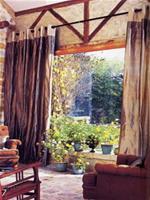 """Không chỉ có một """"view"""" đẹp, ở đây, thiên nhiên như tràn ngập vào nhà..."""